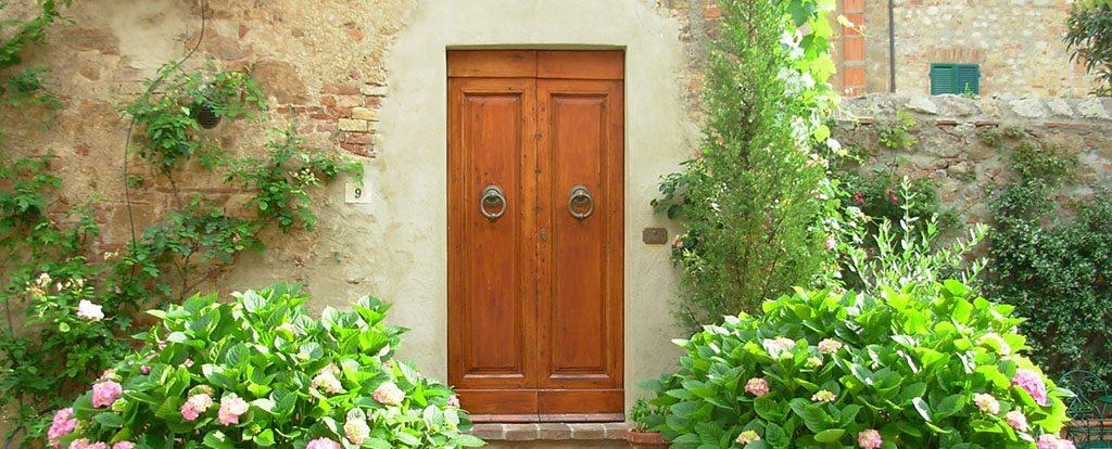 Eine geschlossene Tür.
